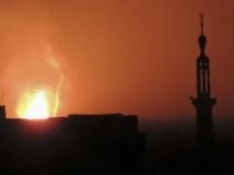 Une gigantesque boule de feu a pu être observée depuis Damas. REUTERS/Ahmad Alshmi