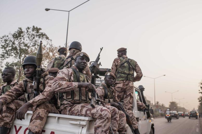 Entrée du camp militaire de Kati, près de Bamako, Mali, le 3 octobre 2013. AFP PHOTO/HABIBOU KOUYATE