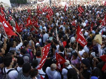 Manifestation anti-Ennahda à Tunis, le 23 octobre 2013. REUTERS/Zoubeir Souissi