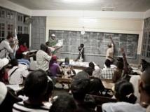Présidentielle malgache : le dépouillement des bulletins de vote se poursuit. AFP PHOTO / RIJASOLO