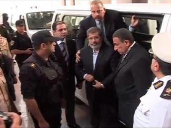 Egypte: les pro-Morsi déterminés à faire du procès de leur leader une tribune politique