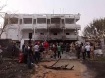 Après l'attaque de l'ambassade de France à Tripoli en Libye, le 23 avril 2013. Reuters/Ismail Zitouny