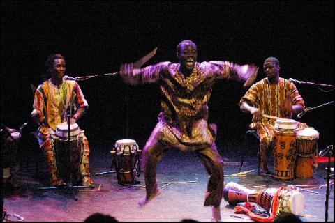 DANCING BUSINESS : Il n'est rien de plus étonnant pour moi qu'un homme qui danse