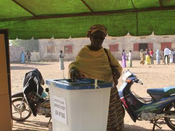 Des législatives au Mali marquées par une faible participation, un second tour se profile