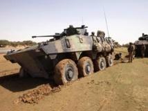 Le terroriste et narcotrafiquant Cheïbani Ould Hama a été arrêté au Mali, près de Gao, par des membres de la force Serval et des services nigériens, le 26 novembre 2013. REUTERS/Emmanuel Braun