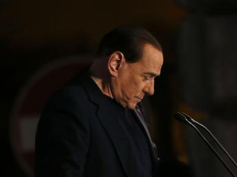Fin des années Berlusconi ? La presse italienne s'interroge