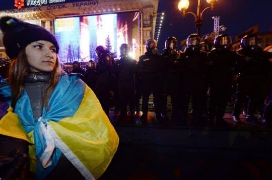 En Ukraine, l'intervention policière au centre de Kiev fait des dizaines de blessés