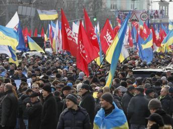 Ukraine: des dizaines de milliers de manifestants pro-européens à Kiev