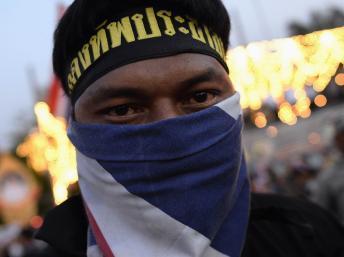 Thaïlande: les manifestants s'en prennent à la télévision nationale