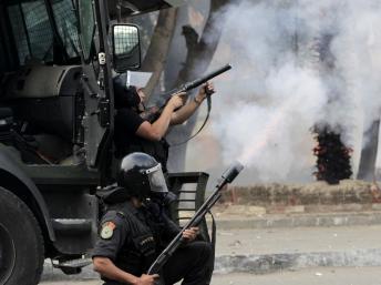 Egypte: la loi restreignant le droit de manifester va-t-elle démobiliser les opposants libéraux?