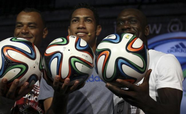 Coupe du Monde 2014: le ballon officiel présenté