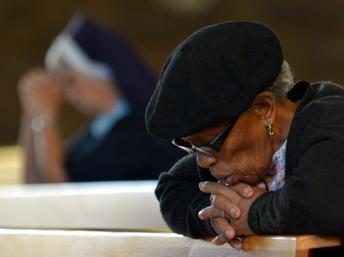 Décès de Nelson Mandela: les Sud-Africains se recueillent dans l'union