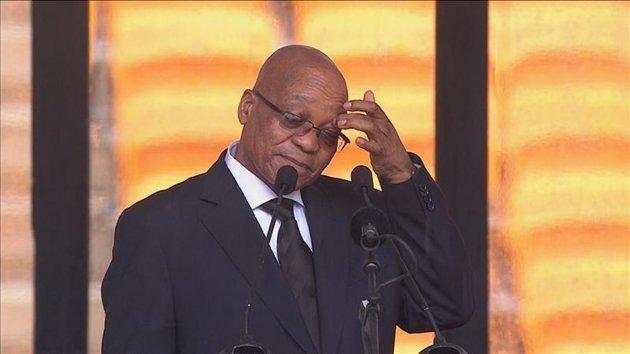Le président sud-africain hué à la cérémonie pour Mandela