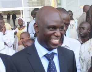 Mansour Faye réplique à Cheikh Bamba Dièye: « Personne ne peut m'empêcher de balayer… »