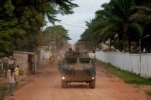 Des soldats français dans le quartier de Boy-Rabe, à Bangui, le 17 décembre 2013. REUTERS/Alain Amontch