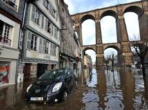 La ville de Morlaix, sous les eaux, est l'une des principales victimes de la tempête Dirk. AFP PHOTO / FRANK PERRY