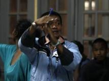 Dans un breau de vote d'Antanarivo, le soir du second tour, le 20 décembre 2013. REUTERS/Thomas Mukoya