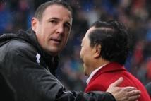 Officiel, Cardiff : Mackay licencié !!!