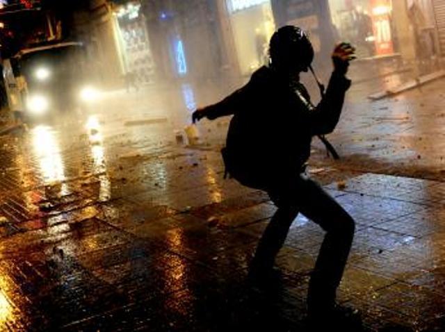 Turquie: la rue conteste à nouveau le pouvoir du Premier ministre Erdogan