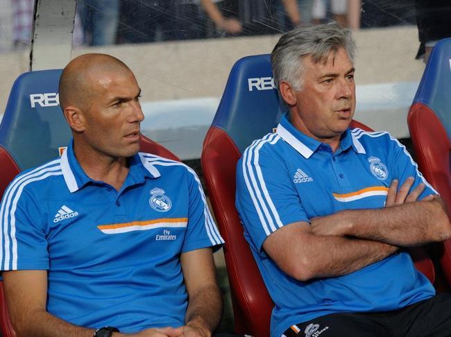 """Real Madrid : le salaire de """"misère"""" du coach Zinedine Zidane"""