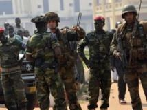 Patrouille conjointe de soldats français de l'opération Sangaris et de troupes tchadiennes de la Misca, à Bangui, le 4 janvier 2014. AFP / MIGUEL MEDINA