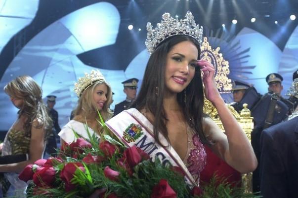 Venezuela : une ex-reine de beauté assassinée devant sa fille