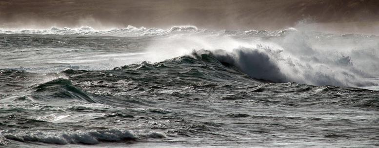 La mer en colère à Saint-Louis : des maisons, des pirogues et baraques emportées par les eaux