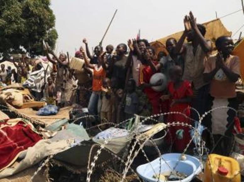 Centrafrique: dans les rues de Bangui, chants et danses pour le départ de Djotodia