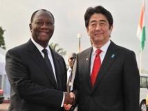 A Abidjan, Shinzo Abe promet 90 millions de dollars d'aide à la Côte d'Ivoire