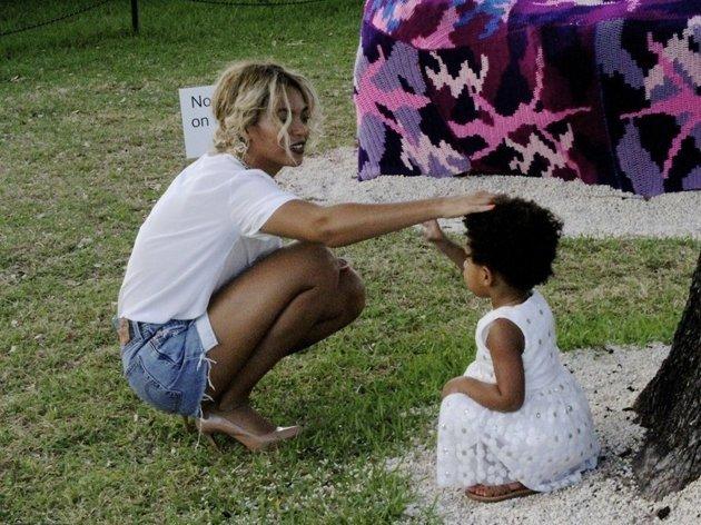 Blue Ivy : pour son anniversaire, Jay-Z et Beyoncé lui offrent deux voitures de luxe
