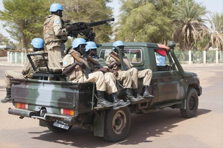 Mali : un véhicule de l'ONU saute sur une mine
