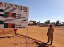 L'entrée du site d'Areva à Arlit, au Niger. AFP PHOTO / ISSOUF SANOGO
