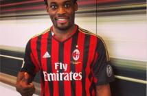 AC Milan : Essien s'engage jusqu'en 2015 (Officiel)