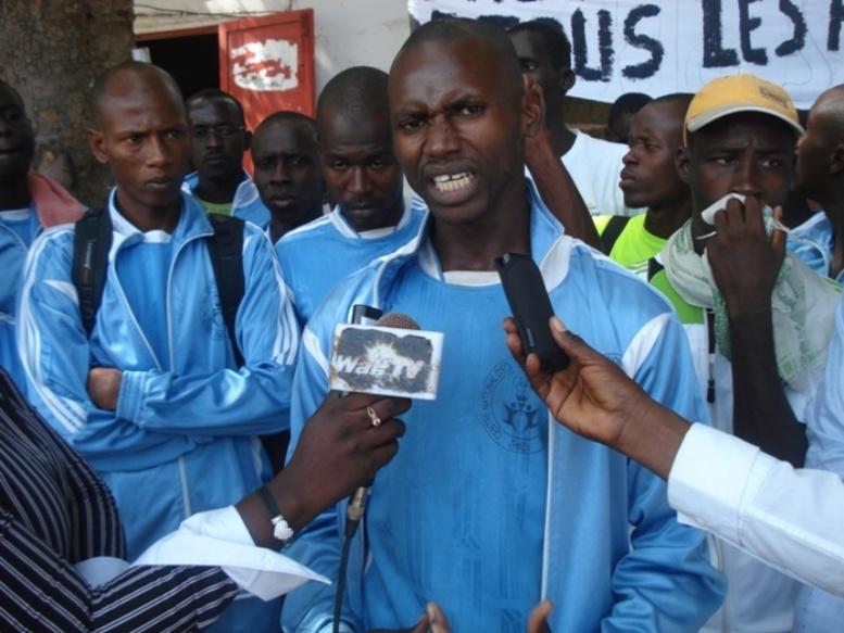 De Thiès, 55 professeurs d'EPS  et 120 élèves sortants du CNEPS marchent vers Dakar