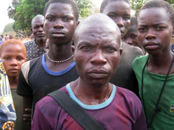 Les habitants de Sibut ont pu rentrer dans leur ville, après quinze jours retranchés dans la brousse. AFP PHOTO/ JEAN-PIERRE CAMPAGNE