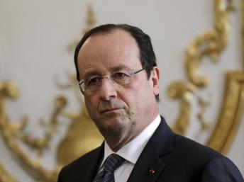 François Hollande en Tunisie pour la cérémonie d'adoption de la Constitution