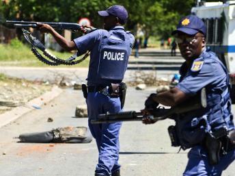 Afrique du Sud: Jacob Zuma condamne les violences policières
