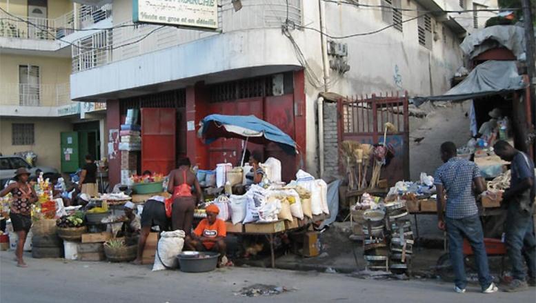 Marché de Port-au-Prince, novembre 2013. RFI/Assétou Samaké