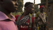 Des combattants anti-balaka à Bangui, le 15 janvier 2014. REUTERS/Siegfried Modola
