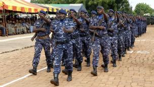Des soldats maliens défilant le jour de la fête de l'indépendance.
