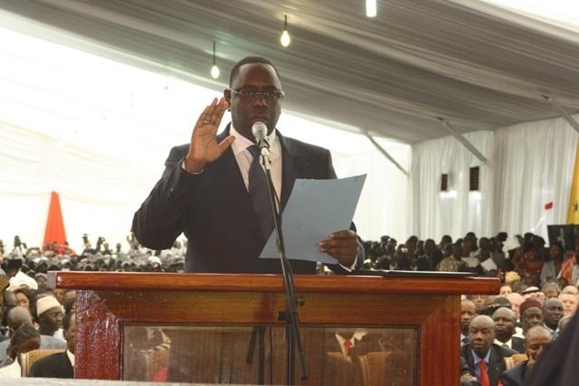 Réaction sur le rapport de la CNRI: Macky Sall veut-il réellement d'une d'une nouvelle Constitution ?