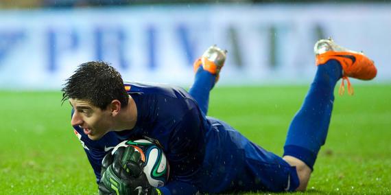 Mercato - Chelsea : Le Real Madrid part à la chasse pour Courtois