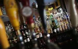 Guédiawaye: 3 vieilles dames gérantes de bars clandestins déférées au parquet