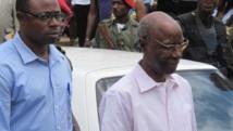A droite: Titus Edzoa, ancien ténor du régime camerounais devenu candidat contre M. Biya, photographié en juillet 2012, quelques mois avant sa deuxième condamnation pour corruption.