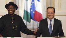 """Nigeria : François Hollande à la conquête du """"géant africain"""""""