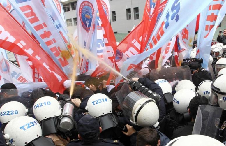 TURQUIE : La rue se remet à gronder contre la corruption du régime Erdogan