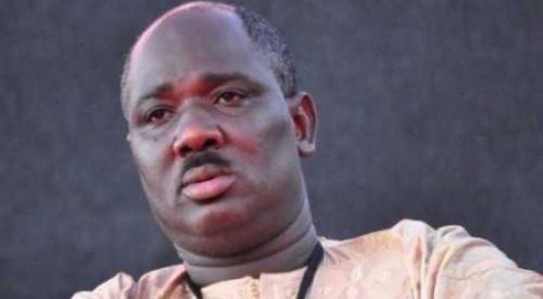 APR plus que jamais dans la violence: Farba Ngom dégaine son pistolet et tire