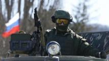Soldats supposés russes près de Simferopol, en Crimée, le 3 mars 2014. REUTERS/David Mdzinarishvili