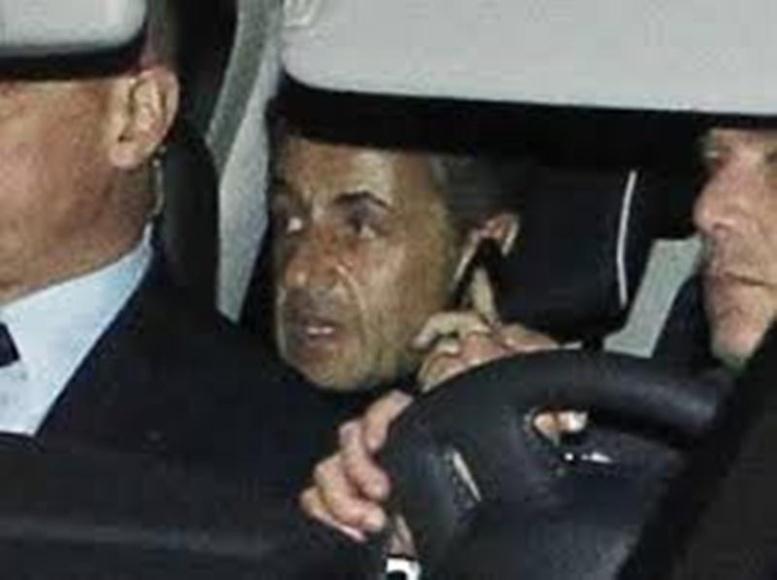 L'ex-président Nicolas Sarkozy mis sur écoute en 2013 par la justice française