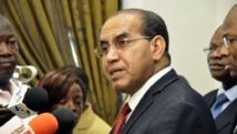 Ibrahim Ag Mohamed Assaleh (d), ici le 7 octobre 2012, veut créer une coalition de l'Azawad. AFP/ Ahmed OUOBA